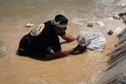 امدادرسانی «نجبا» در روستاهای سیلزده/ عکس