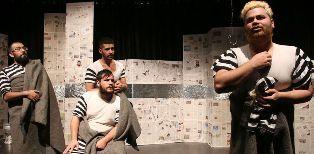 آقای کارگردان: تئاتر به شوآف تبدیل شده است